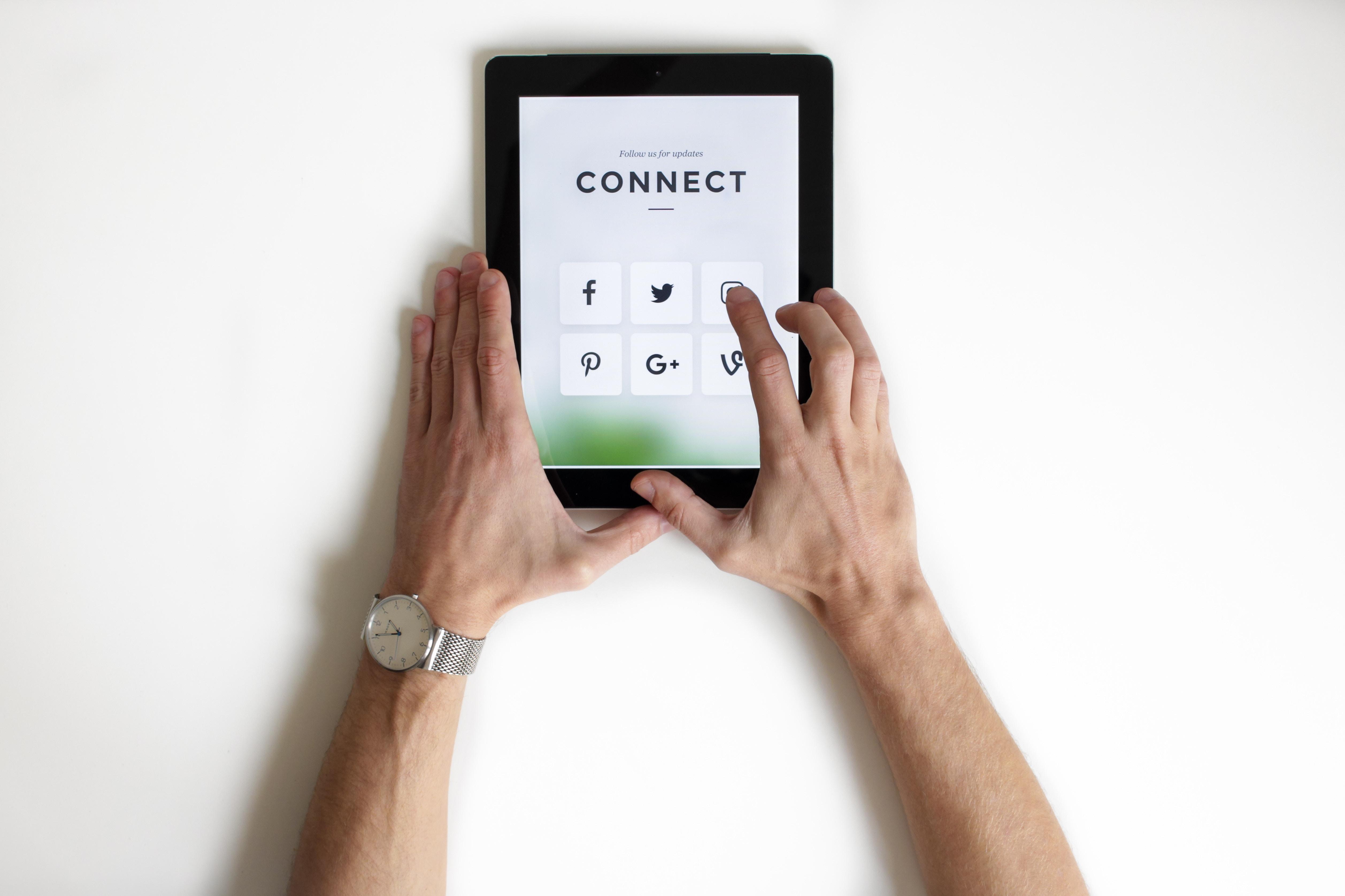 social media online marketing customer service