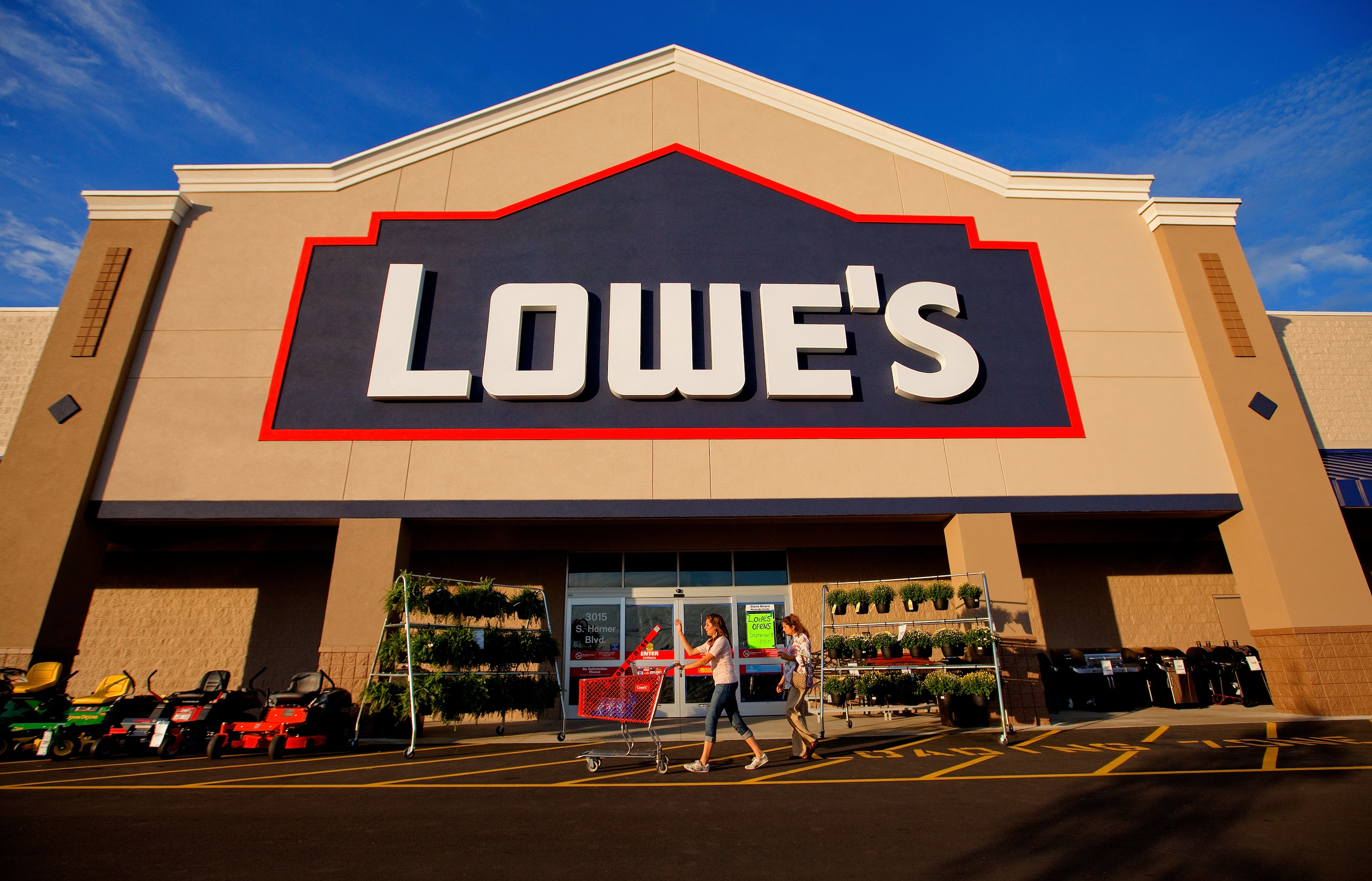 lowes-cmo-marketing-customer service skill
